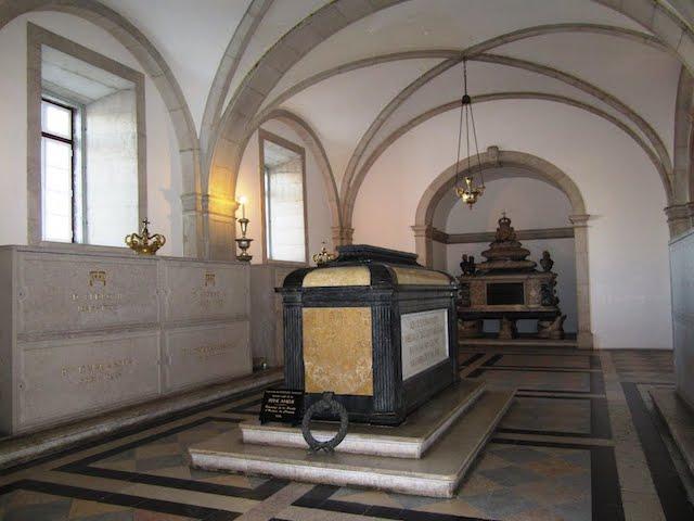 Panteón de los reyes de Braganza en el Monasterio de São Vicente de Fora