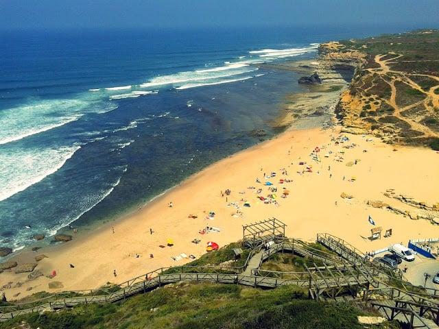 Praia da Ribeira d'Ilhas en Portugal