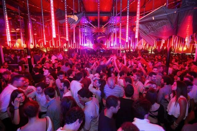 Pista de baile de la discoteca Lux Frágil en Lisboa