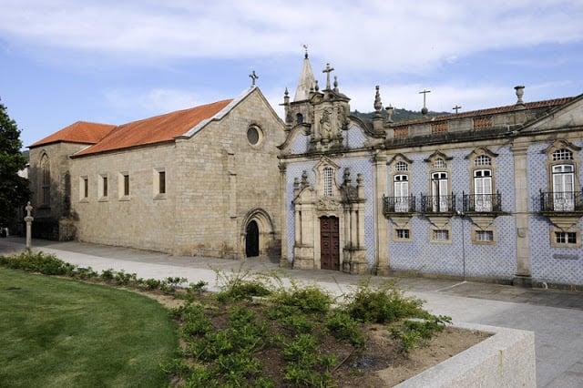 Convento e Iglesia de São Francisco en Guimarães