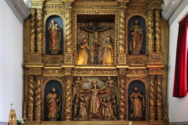 Altar mayor manierista de la Iglesia de la Misericordia en Braganza
