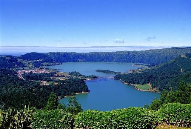 Caldeira das Sete Cidades en las Azores en Portugal