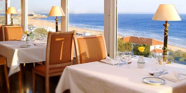 Restaurante con vista a la Praia de Carcavelos